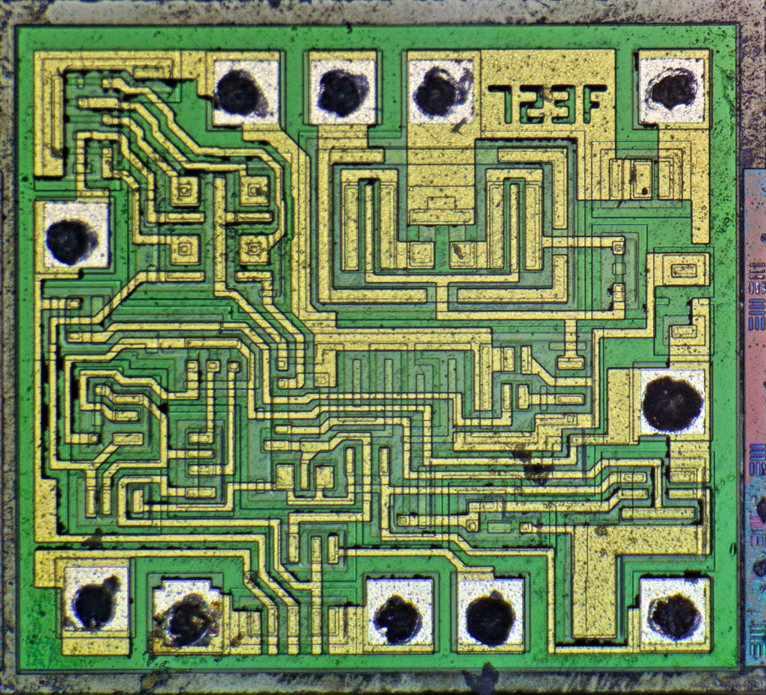 ST Microelectronics LM723CN Die